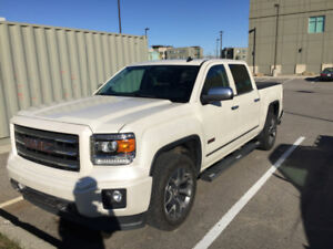 2014 Sierra GMC Crew Cab 4 X 4-Fully Loaded-Excellent Condition