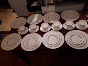 Royal Doulton 'Tiara' China set