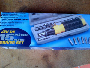 Brand New still in plastic wrapper Ratchet Screw driver 15 piece