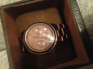 Michael Kors - bronze classic chronograph face watch