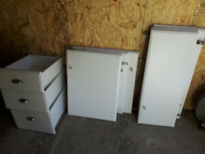 Set of Used Cabinet Doors and Drawers w Hinges and Roller Rails