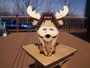 HANDCRAFTED WOODEN BIRDHOUSE – MOOSE DESIGN