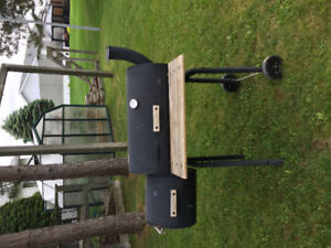Charcoal Barbeque-Smoker