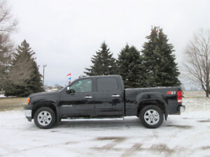 2012 GMC Sierra 1500 Z71 4WD- Crew Cab.  ONE OWNER SINCE NEW!!