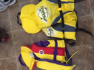 2 kids life jackets