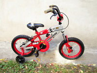 3 LITTLE KIDS  BIKES ALL WITH TRAINING WHEELS