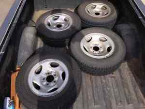 Winter tires  motomaster  235/70R16