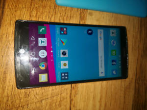 LG G4 with 2 Cases and Charge Cable