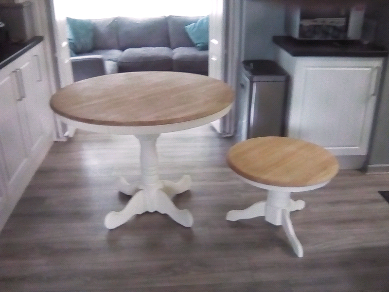 Admirable Round Table Set In Winchester Hampshire Gumtree Alphanode Cool Chair Designs And Ideas Alphanodeonline