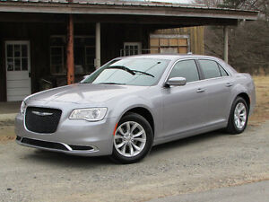 2015 Chrysler 300-Series Touring Sedan Will pay you 1000$ cash
