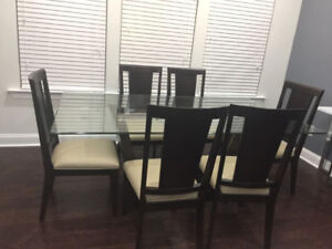 Excellent condition: Dining Room Set with 6 chairs on SALE
