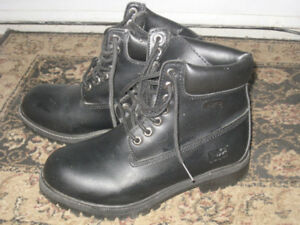 Almost New Leather black  Men's Safety Shoes, size 6.5