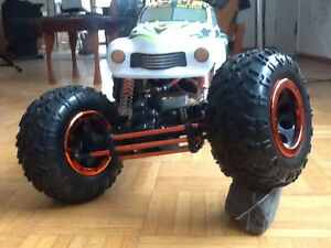 HPS 94880T2  Gros 1/8 RC 4wd