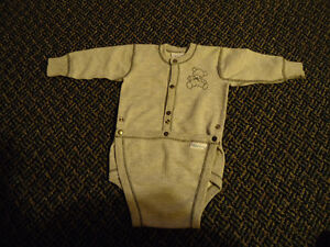 Boys Size 12 Months  Long Sleeved Diaper Style Baby's Own Onesie Kingston Kingston Area image 1