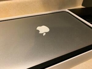 Macbook air 11, i7 , 512 g. , 8g rams