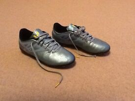 Boys Messi football blades boots size 4