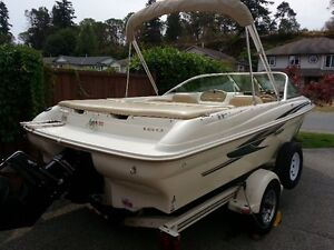 18' Bow Rider in very good condition