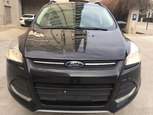 2015 Ford Escape SE 4WD/ LEATHER/ CAMERA/ BEAUTIFUL/ NO ACCIDENT