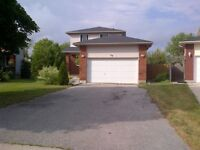 2 CAR PARKING, LAUNDRY, STAINLESS STEEL APPLIANCES