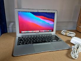 Macbook Air 2015 (11inch, Intel i5, 4GB RAM, 128GB SSD)