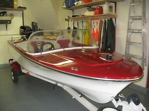 wanted  classic mecerdes./.have 14 ft. restored boat   for trade