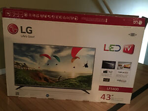 "43"" LG tv and Apple Tv"