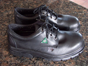 Safety Steel Toed Work Shoes (men size 11)