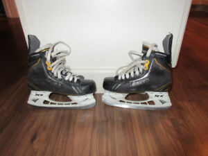 Bauer Supreme One.6 Skates Size 2 (Needs Repair)