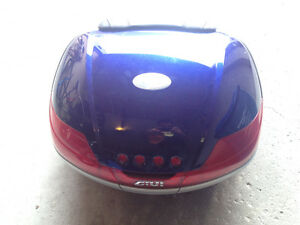 FJR1300 Hard case side bags and rear givi trunk for sale.