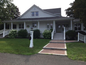 LARGE FLAT IN PRIVATE RESIDENCE ON SAINT JOHN RIVER