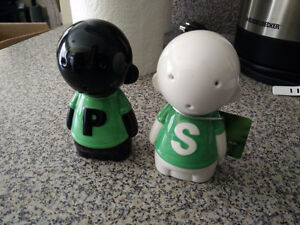 Salty and Pep Shakers Knorr Collectible