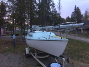 21' MacGregor Sailboat