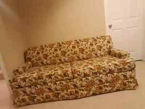Hide a bed sofa / Hide-a-bed loveseat / couch