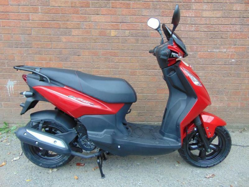 81032106d BRAND NEW SYS SYMPLY 125 CC ORBIT - 100MPG - REV AND RIP SCOOTER