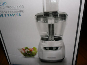 BLACK + DECKER 8-CUP BLENDER FOOD PROCESSOR (WHITE)