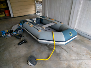 9.35 foot Zodiac with 46lbs electric motor made in France