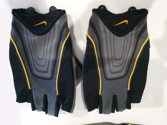 Majestuoso Residencia desastre  Nike cycling gloves   Bicycle Parts and Accessories   Gumtree Australia  Glen Eira Area - Bentleigh   1266329525