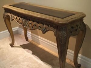 Detailed wood Hall / Sofa table w/glass