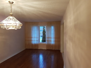 SPOTLESS BUNGALOW IN SOUTHEAST OF BARRIE