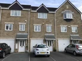 3 bedroom house in Tithefields, Fenay Bridge, Huddersfield, West Yorkshire, HD8