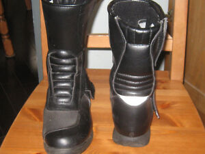 Ladies Size 7 Motorcycle Boots