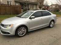 2011 Volkswagen Jetta Highline Tdi leather Sedan