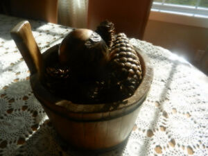 ;Hand crafted wooden container West Island Greater Montréal image 1