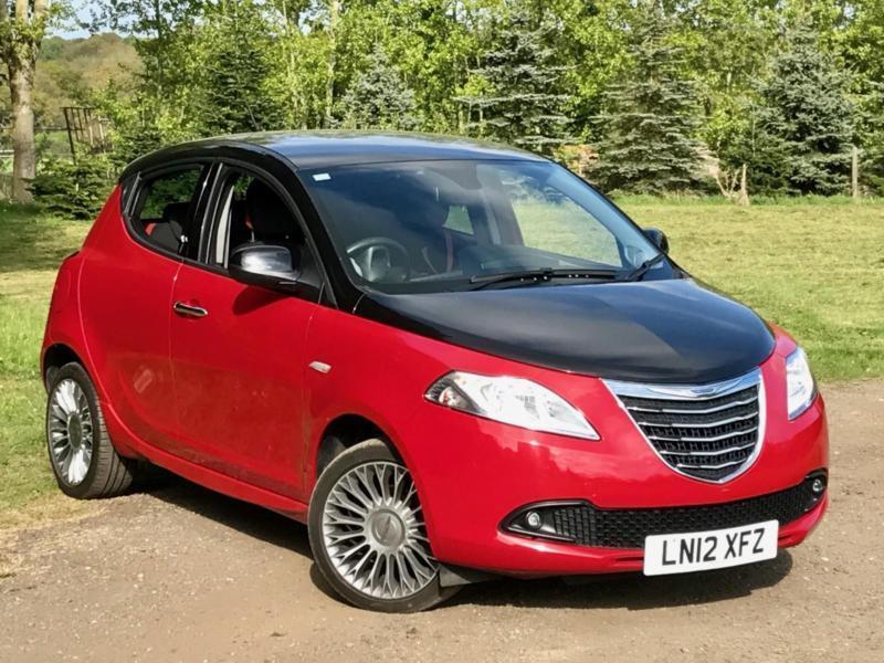 201212 Chrysler Ypsilon 12 Petrol 5dr Black Red Edition 23k