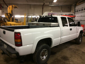 01 GMC Sierra 2500 trade for tacoma 4x4
