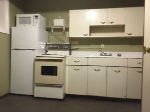 Fully furnished Bachelor Suite in Lloydminster Alberta