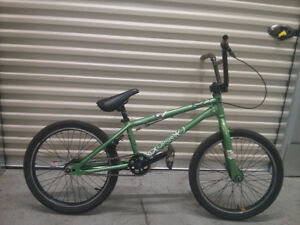 BMX DK Green all tuned up MINT! comme neuf