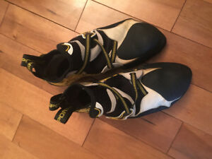 Rock climbing shoes - LA SPORTIVA SOLUTION ROCK SHOES - MEN'S