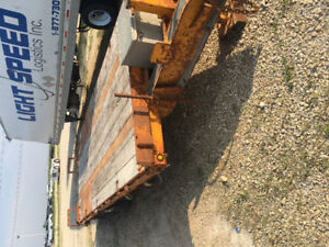 2 Heavy duty Saturn pintle hitch trailors with beaver tails