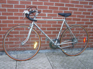 1984 RALEIGH Royale road bike - like new condition.